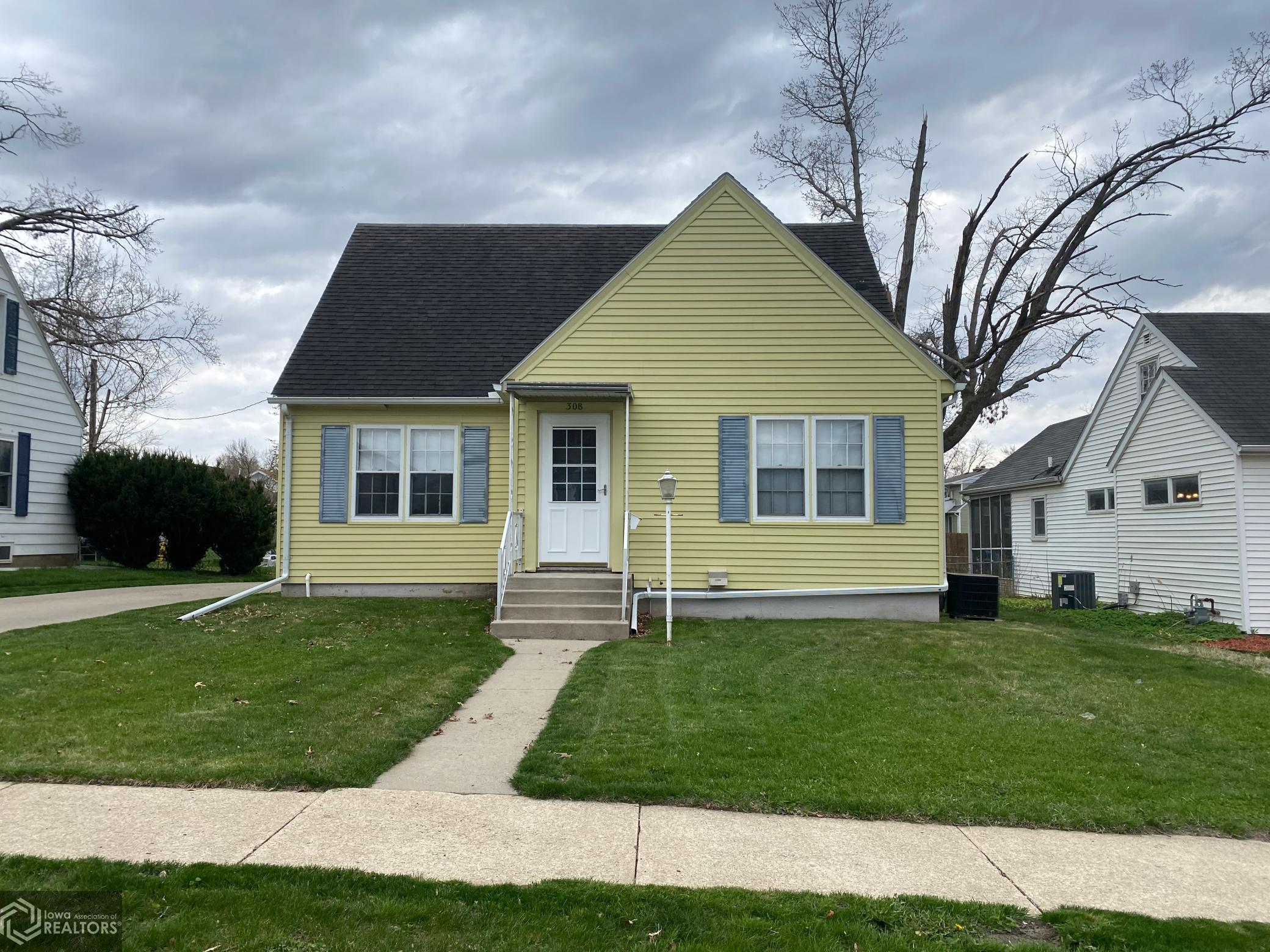 308 Innes, Marshalltown, Iowa 50158-5530, 2 Bedrooms Bedrooms, ,1 BathroomBathrooms,Single Family,For Sale,Innes,5742014