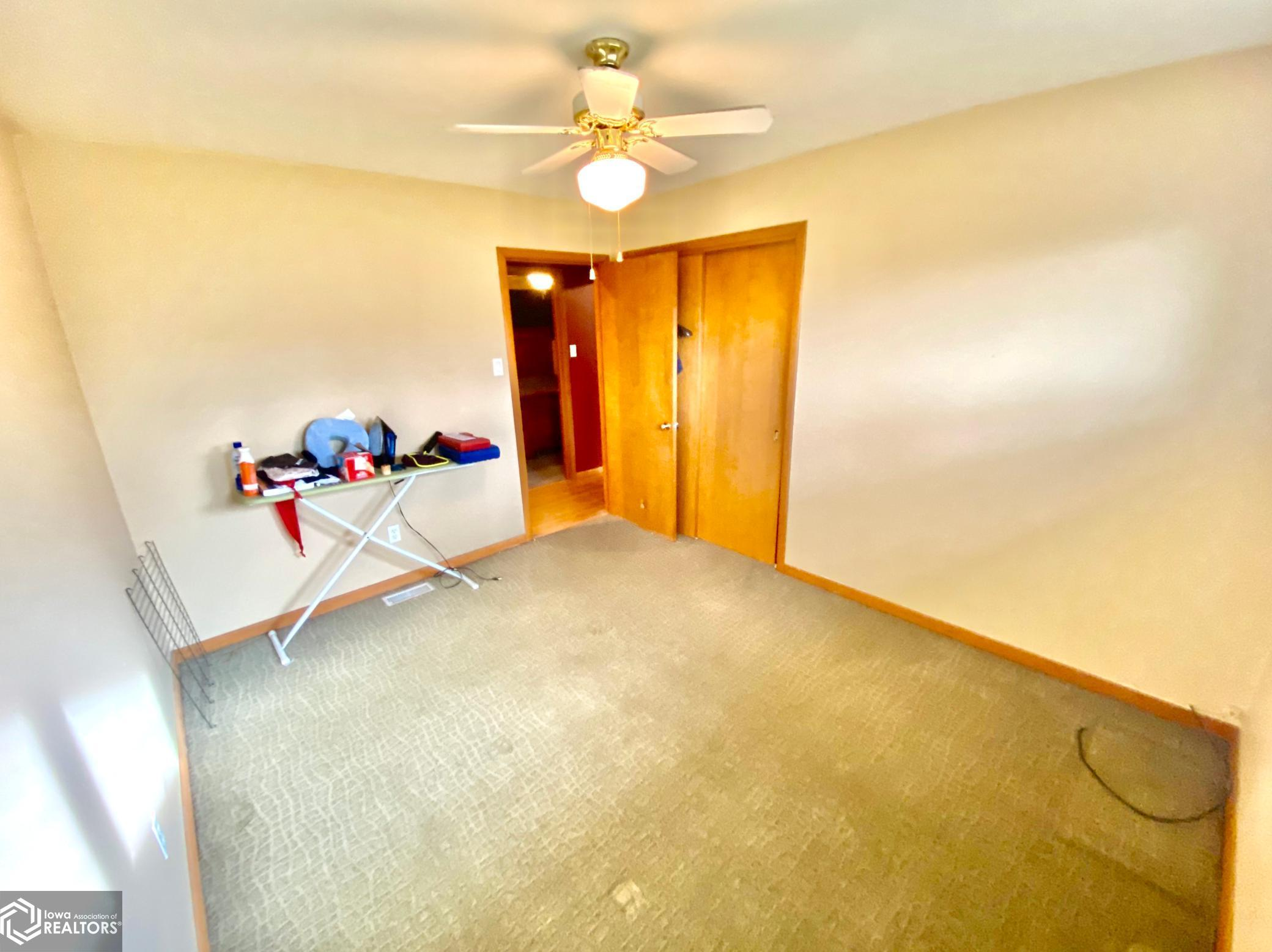 1703 Manor, Grinnell, Iowa 50112-1137, 3 Bedrooms Bedrooms, ,1 BathroomBathrooms,Single Family,For Sale,Manor,5680030