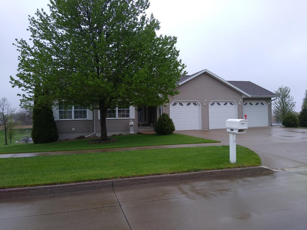 1425 Patricia, Grinnell, Iowa 50112, 5 Bedrooms Bedrooms, ,2 BathroomsBathrooms,Single Family,For Sale,Patricia,5561046