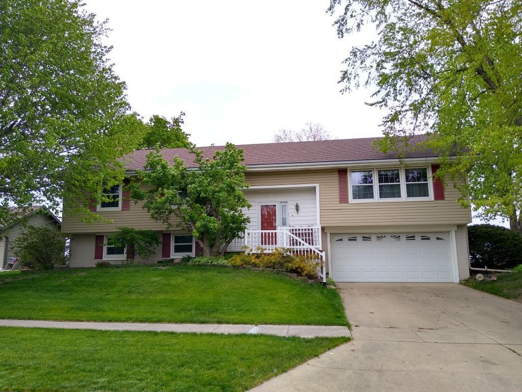 101 14th, Grinnell, Iowa 50112-1004, 4 Bedrooms Bedrooms, ,1 BathroomBathrooms,Single Family,For Sale,14th,5567050