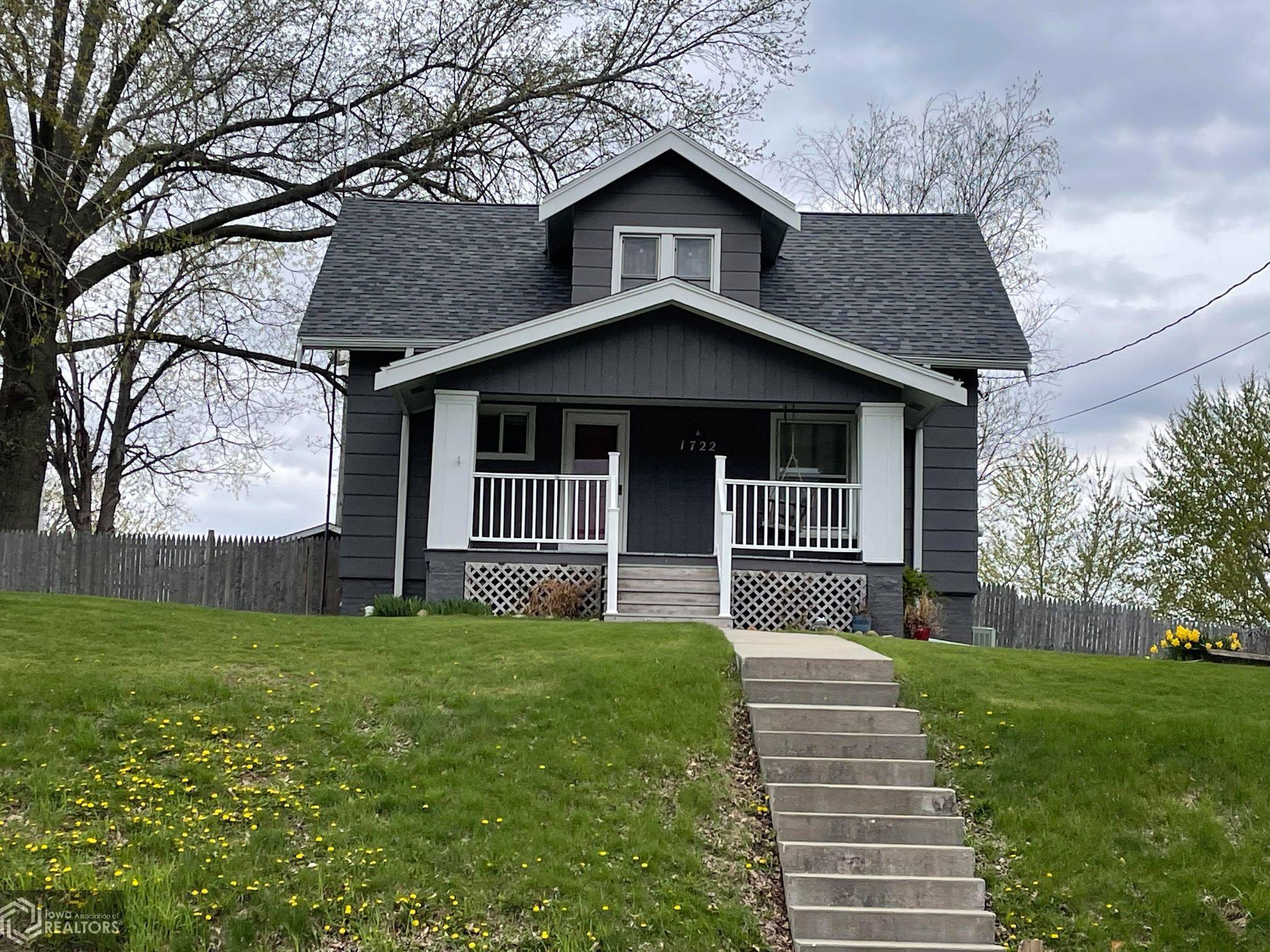 1722 Drake, Centerville, Iowa 52544-2927, 3 Bedrooms Bedrooms, ,2 BathroomsBathrooms,Single Family,For Sale,Drake,5742051