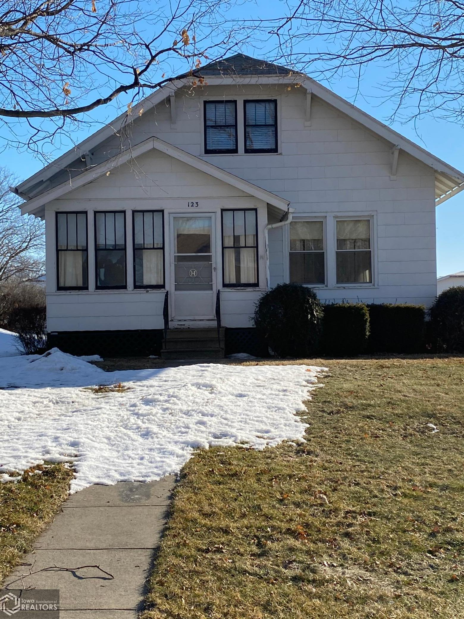 123 High, Brooklyn, Iowa 52211-0393, 3 Bedrooms Bedrooms, ,1 BathroomBathrooms,Single Family,For Sale,High,5719089