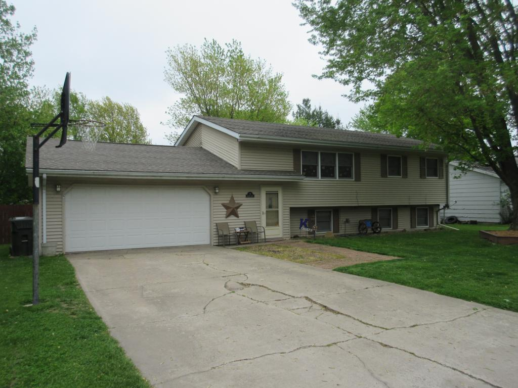 8 Pawnee, Keokuk, Iowa 52632, 4 Bedrooms Bedrooms, ,1 BathroomBathrooms,Single Family,For Sale,Pawnee,5566098