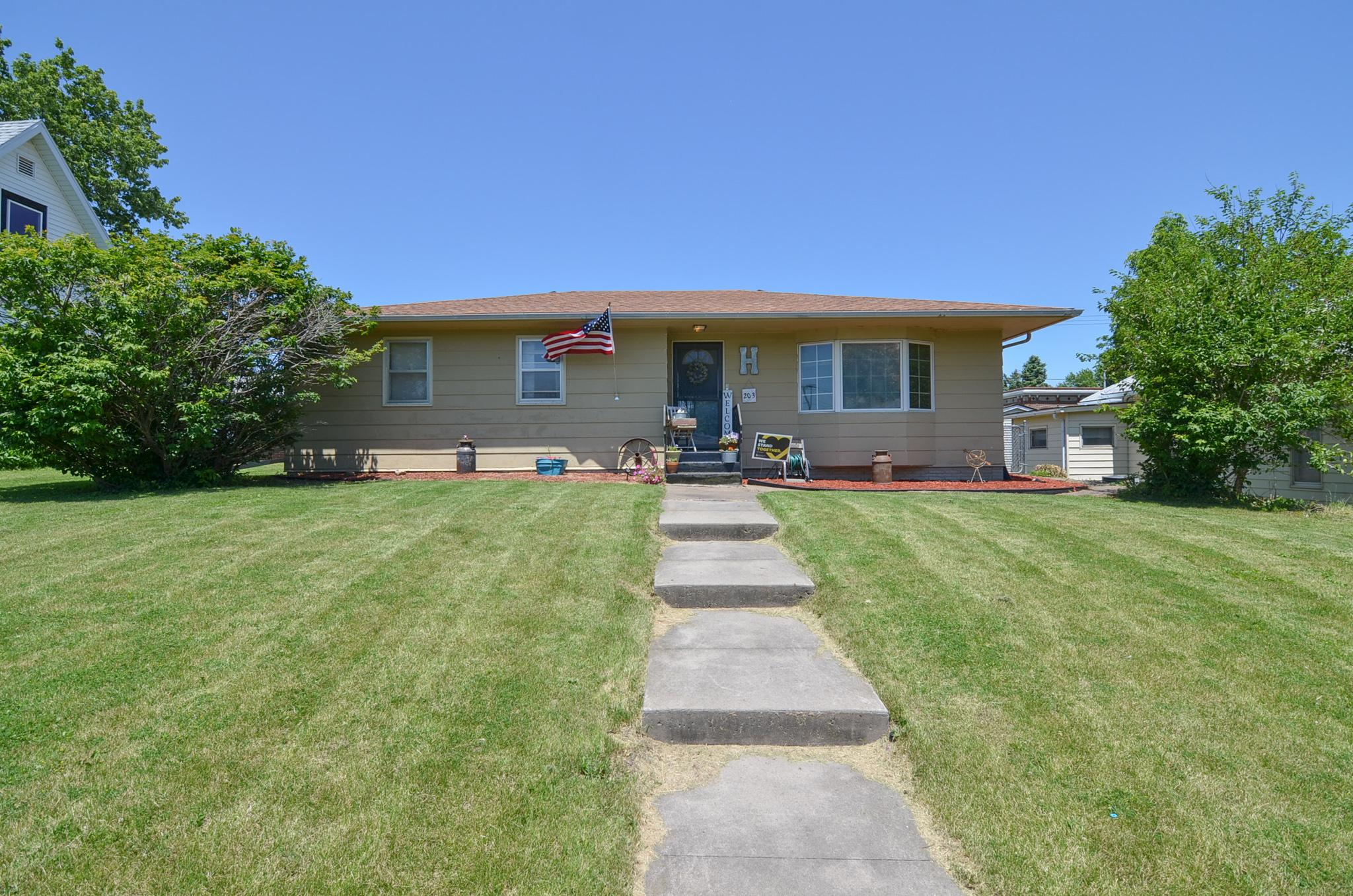 203 Dallas, Montezuma, Iowa 50171, 3 Bedrooms Bedrooms, ,1 BathroomBathrooms,Single Family,For Sale,Dallas,5610108