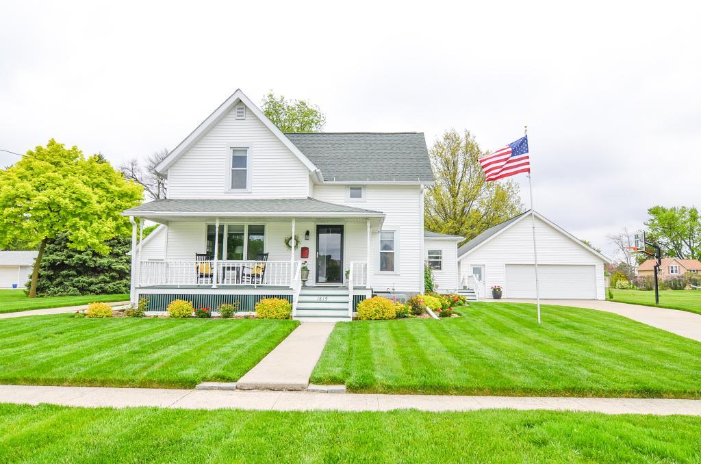 1819 7th, Grinnell, Iowa 50112-1514, 3 Bedrooms Bedrooms, ,1 BathroomBathrooms,Single Family,For Sale,7th,5570109