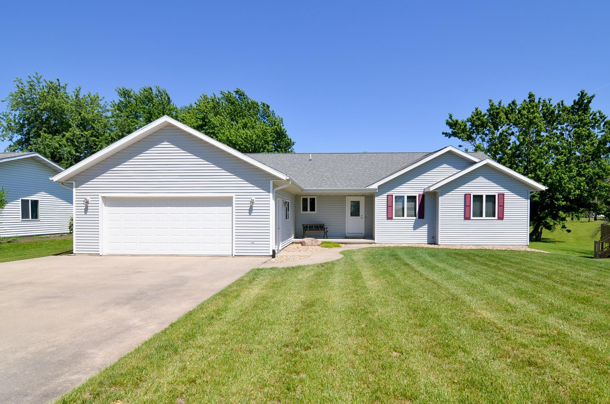 103 Meadow Lane, Montezuma, Iowa 50171-0186, 3 Bedrooms Bedrooms, ,1 BathroomBathrooms,Single Family,For Sale,Meadow Lane,5610109