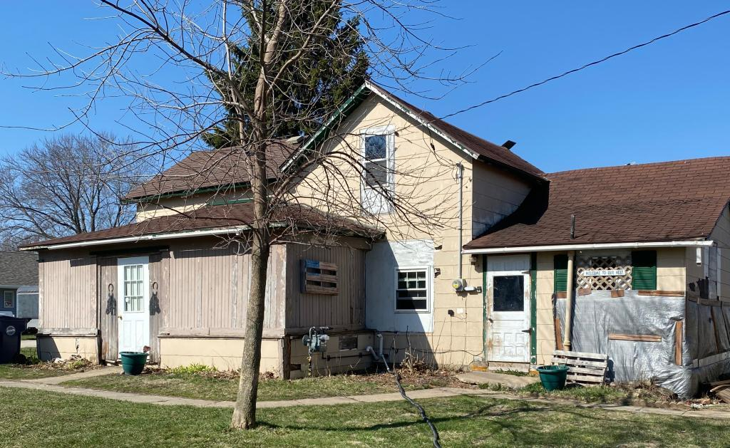 710 4th, Armstrong, Iowa 50514-7705, 2 Bedrooms Bedrooms, ,1 BathroomBathrooms,Single Family,For Sale,4th,5566121