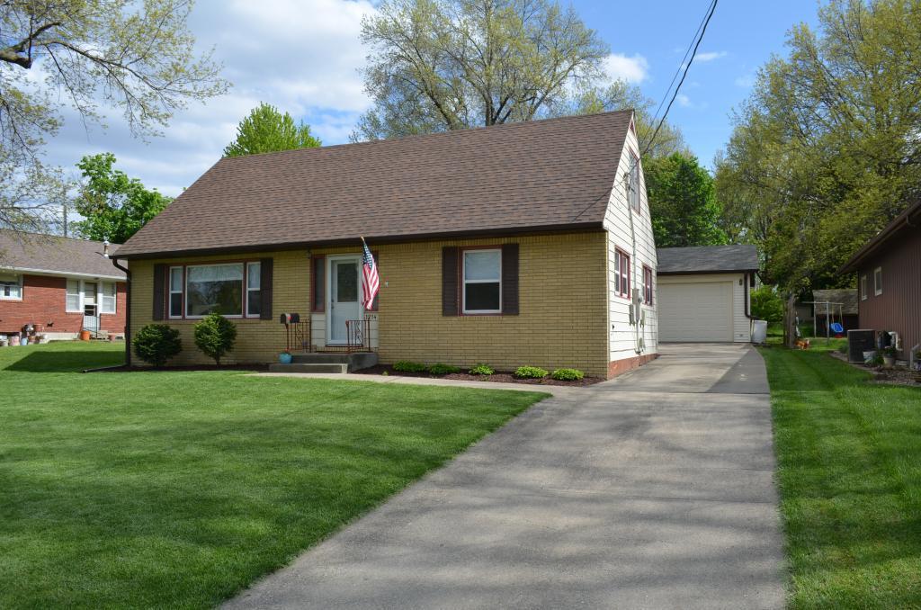 1214 F, Oskaloosa, Iowa 52577-2478, 3 Bedrooms Bedrooms, ,1 BathroomBathrooms,Single Family,For Sale,F,5565124