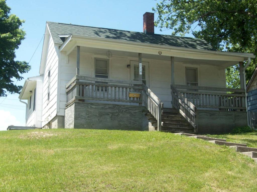 715 Center, Grinnell, Iowa 50112-1949, 1 Bedroom Bedrooms, ,1 BathroomBathrooms,Single Family,For Sale,Center,5576125