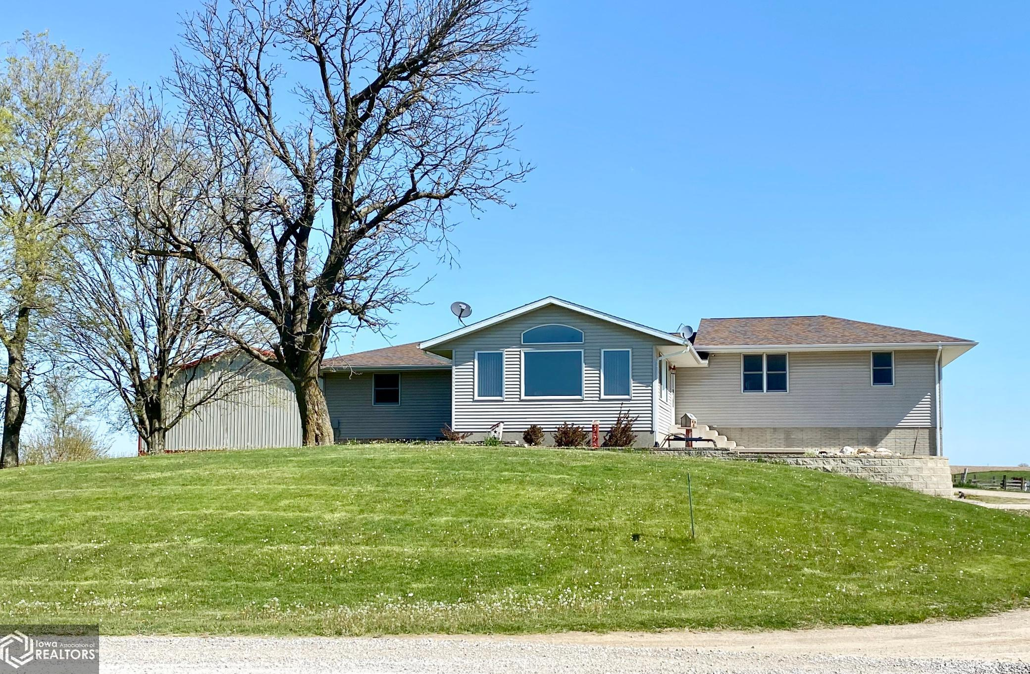 1943 370th, Brooklyn, Iowa 52211, 4 Bedrooms Bedrooms, ,2 BathroomsBathrooms,Single Family,For Sale,370th,5757128