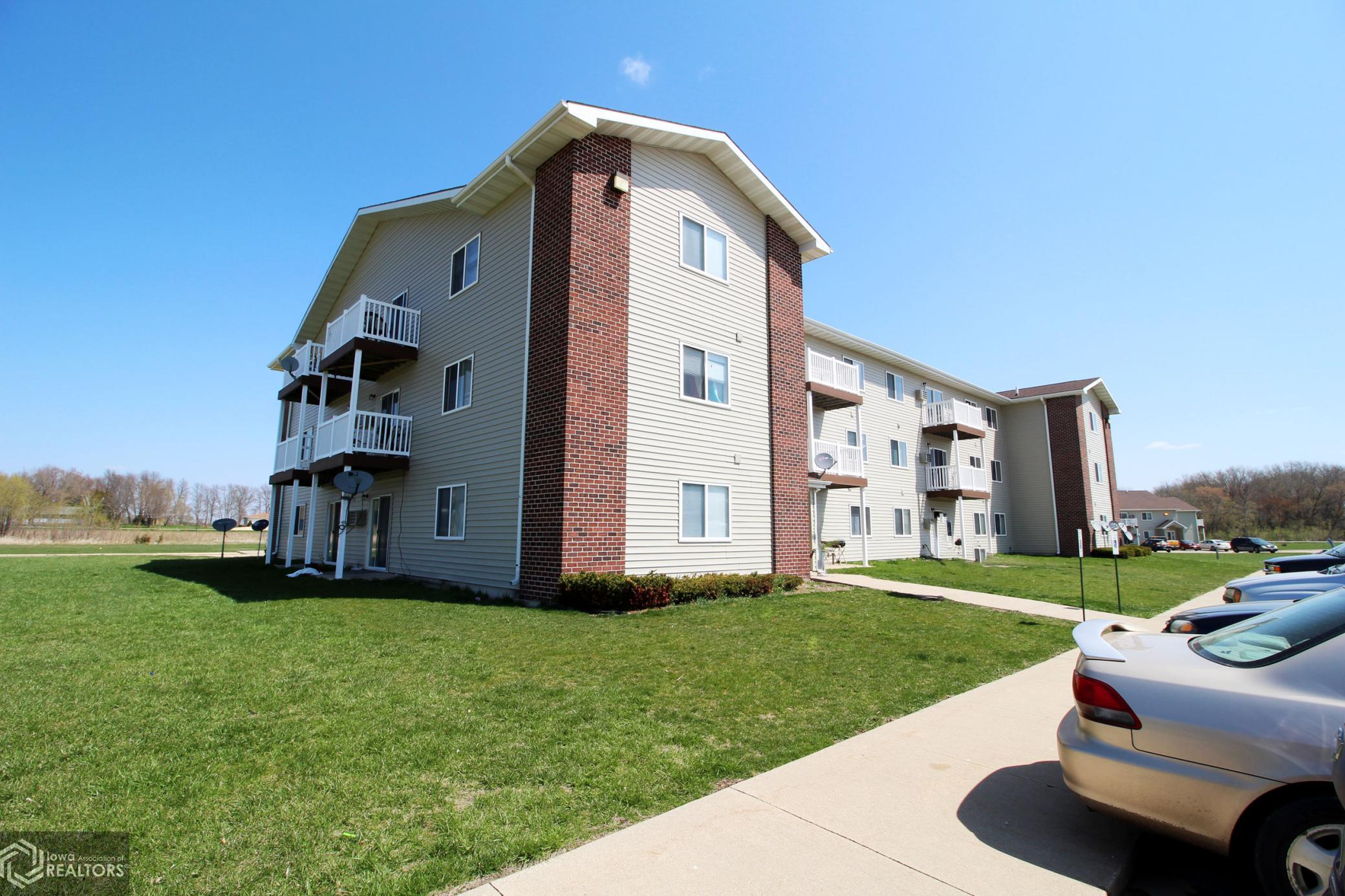 400 13th, Oelwein, Iowa 50662-4749, 2 Bedrooms Bedrooms, ,3 BathroomsBathrooms,Multi-family (2-4 Units),For Sale,13th,5753149