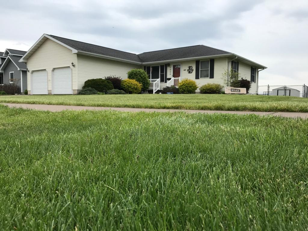 1006 Huron, Mediapolis, Iowa 52637-7798, 3 Bedrooms Bedrooms, ,2 BathroomsBathrooms,Single Family,For Sale,Huron,5567155