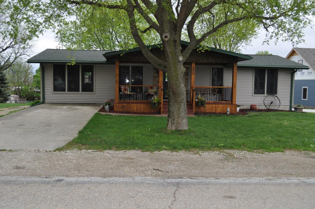 302 Spruce, Auburn, Iowa 51433-7711, 5 Bedrooms Bedrooms, ,1 BathroomBathrooms,Single Family,For Sale,Spruce,5568164