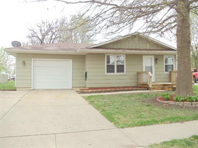 12 Washington, Grinnell, Iowa 50112-4436, 3 Bedrooms Bedrooms, ,1 BathroomBathrooms,Single Family,For Sale,Washington,5579169