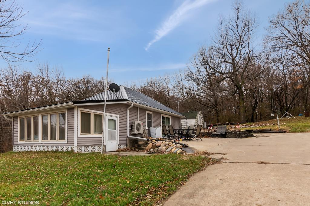 2096 Lakeshore, Brooklyn, Iowa 52211, 2 Bedrooms Bedrooms, ,Single Family,For Sale,Lakeshore,5486183