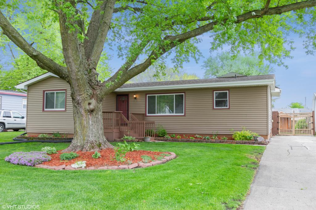 414 4th, Mitchellville, Iowa 50169-9727, 3 Bedrooms Bedrooms, ,1 BathroomBathrooms,Single Family,For Sale,4th,5569193