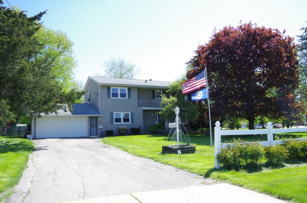 2409 Mason, Burlington, Iowa 52601-1410, 4 Bedrooms Bedrooms, ,1 BathroomBathrooms,Single Family,For Sale,Mason,5564201