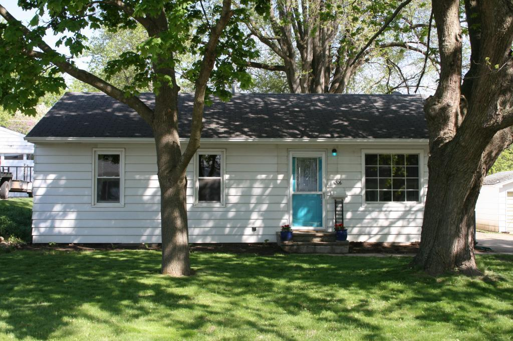 306 26th, Newton, Iowa 50208, 3 Bedrooms Bedrooms, ,1 BathroomBathrooms,Single Family,For Sale,26th,5566201