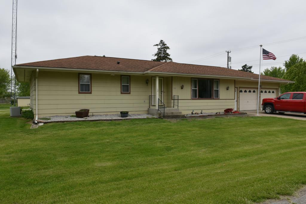 402 Charles, Moravia, Iowa 52571-9736, 3 Bedrooms Bedrooms, ,1 BathroomBathrooms,Single Family,For Sale,Charles,5566204