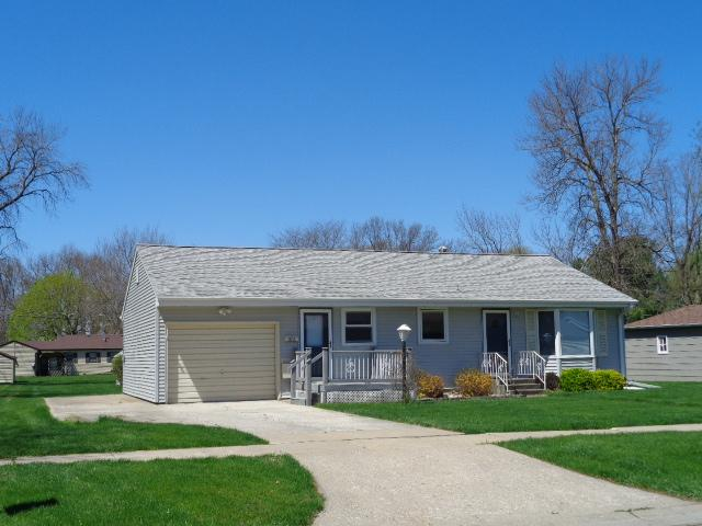 1511 Reed Street- Grinnell- Iowa 50112, 2 Bedrooms Bedrooms, ,1 BathroomBathrooms,Single Family,For Sale,Reed Street,5571205