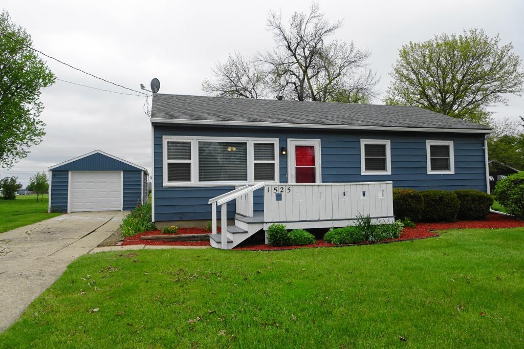 1525 Prince, Grinnell, Iowa 50112-1334, 3 Bedrooms Bedrooms, ,Single Family,For Sale,Prince,5569221