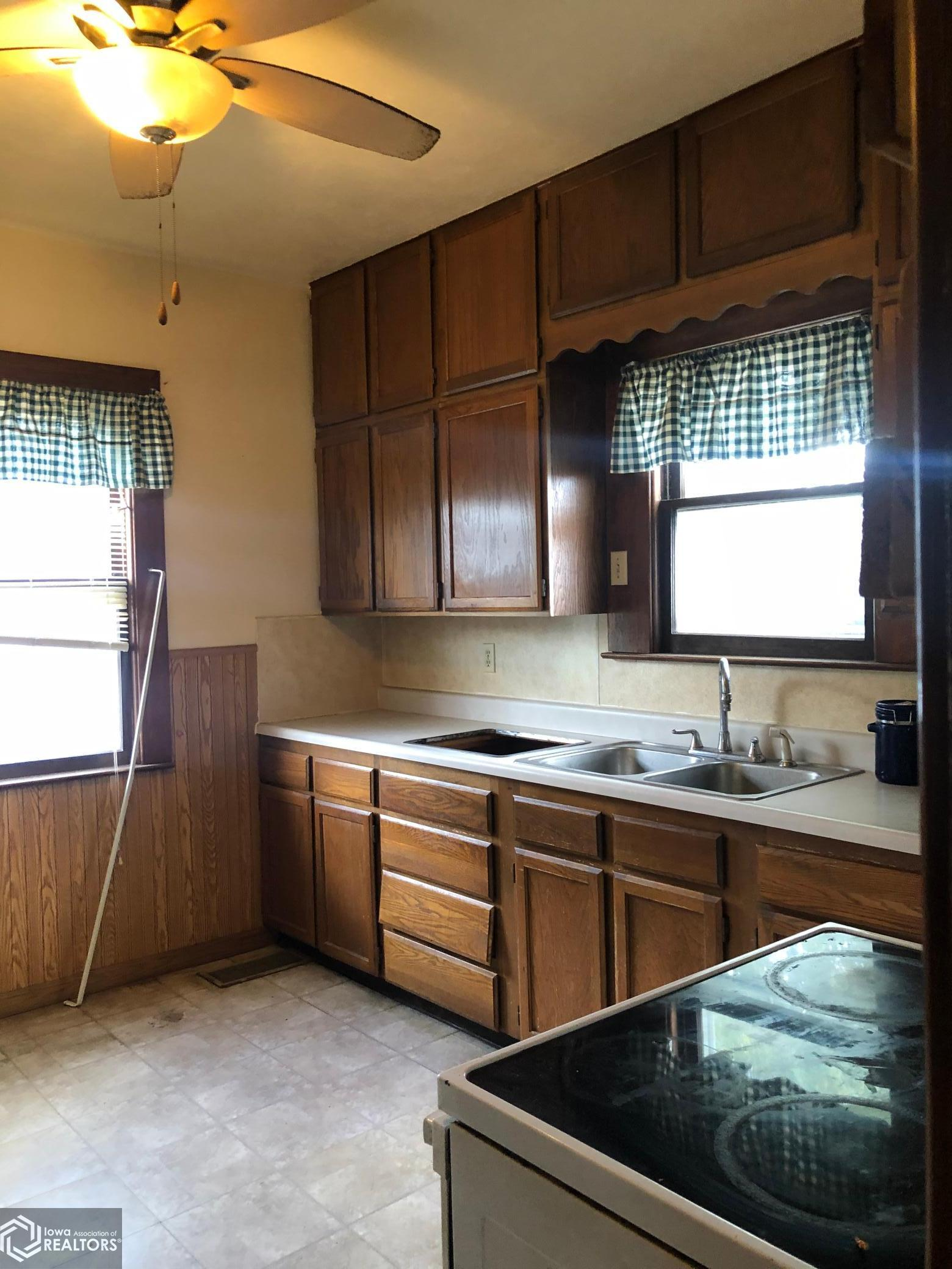 15147 Newcomer, Grinnell, Iowa 50112-7711, 3 Bedrooms Bedrooms, ,1 BathroomBathrooms,Single Family,For Sale,Newcomer,5675221