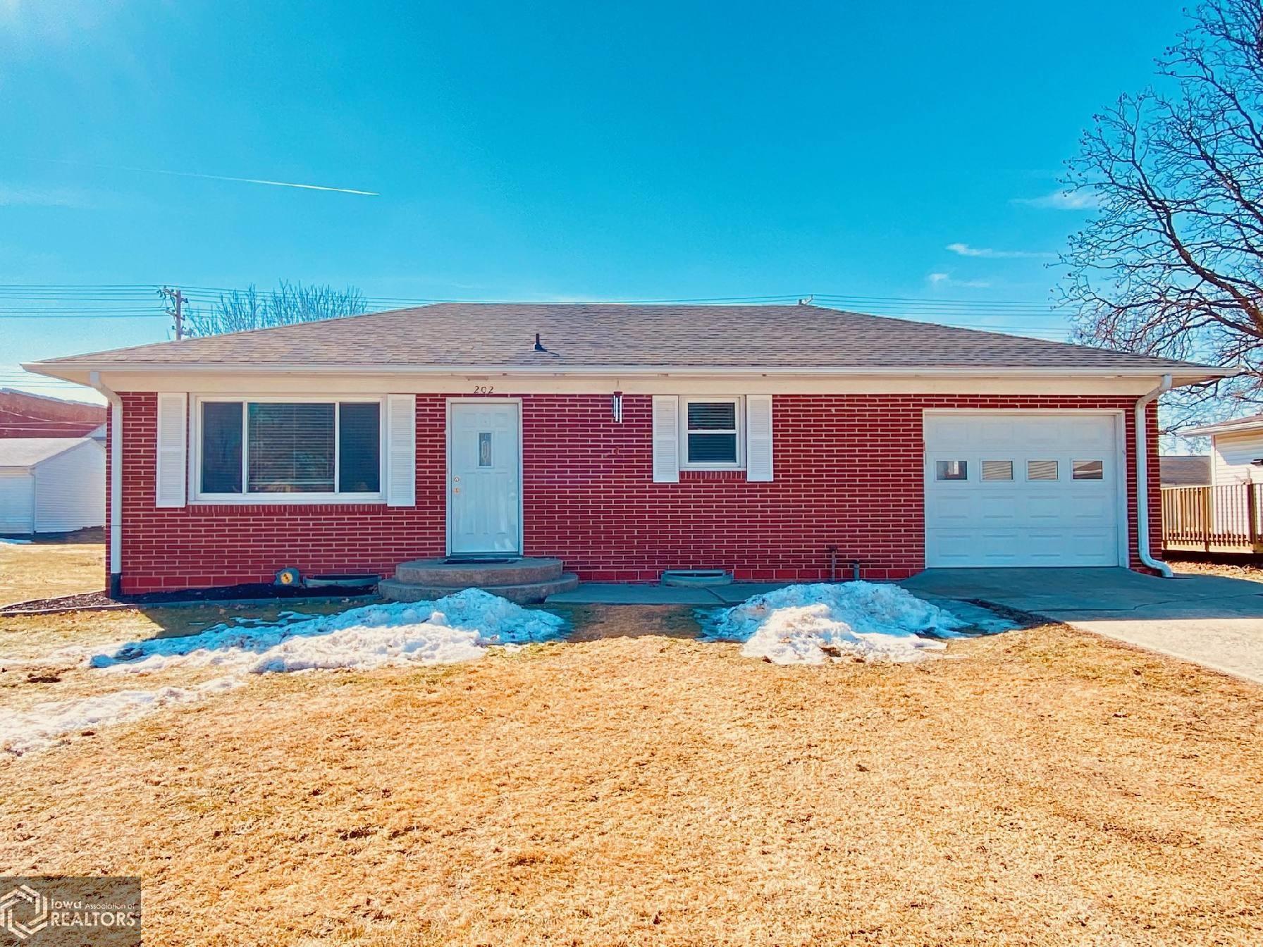 202 Washington, Montezuma, Iowa 50171-0086, 2 Bedrooms Bedrooms, ,1 BathroomBathrooms,Single Family,For Sale,Washington,5722222