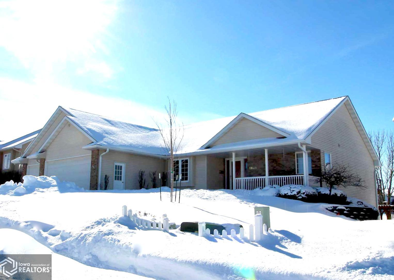 1935 Reed, Grinnell, Iowa 50112-1058, 4 Bedrooms Bedrooms, ,3 BathroomsBathrooms,Single Family,For Sale,Reed,5712249