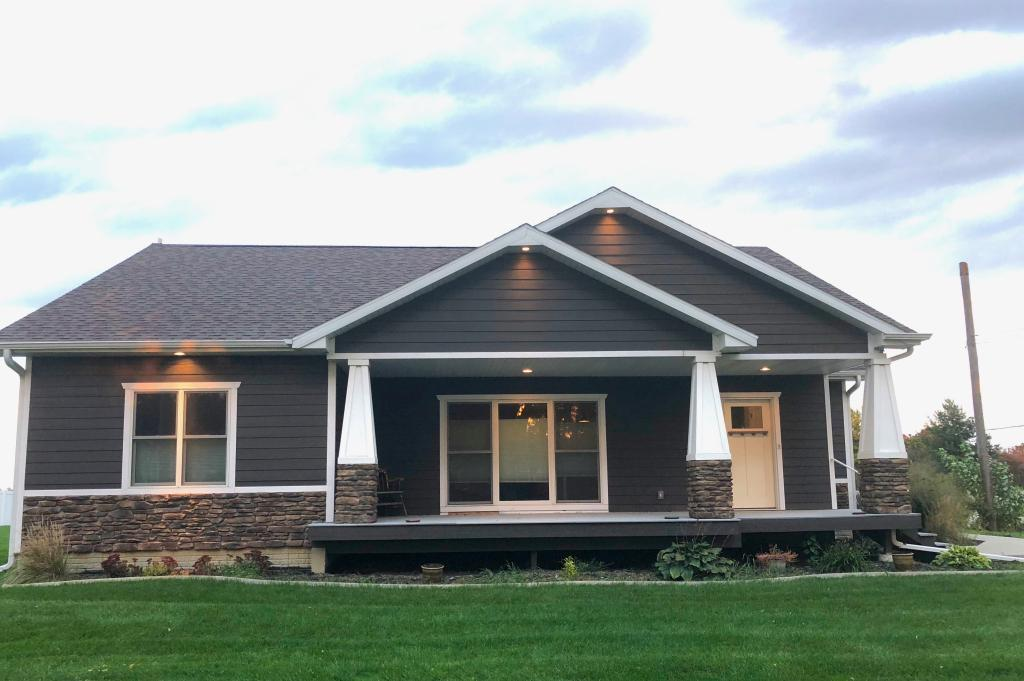 102 East, Grinnell, Iowa 50112, 4 Bedrooms Bedrooms, ,2 BathroomsBathrooms,Single Family,For Sale,East,5472251