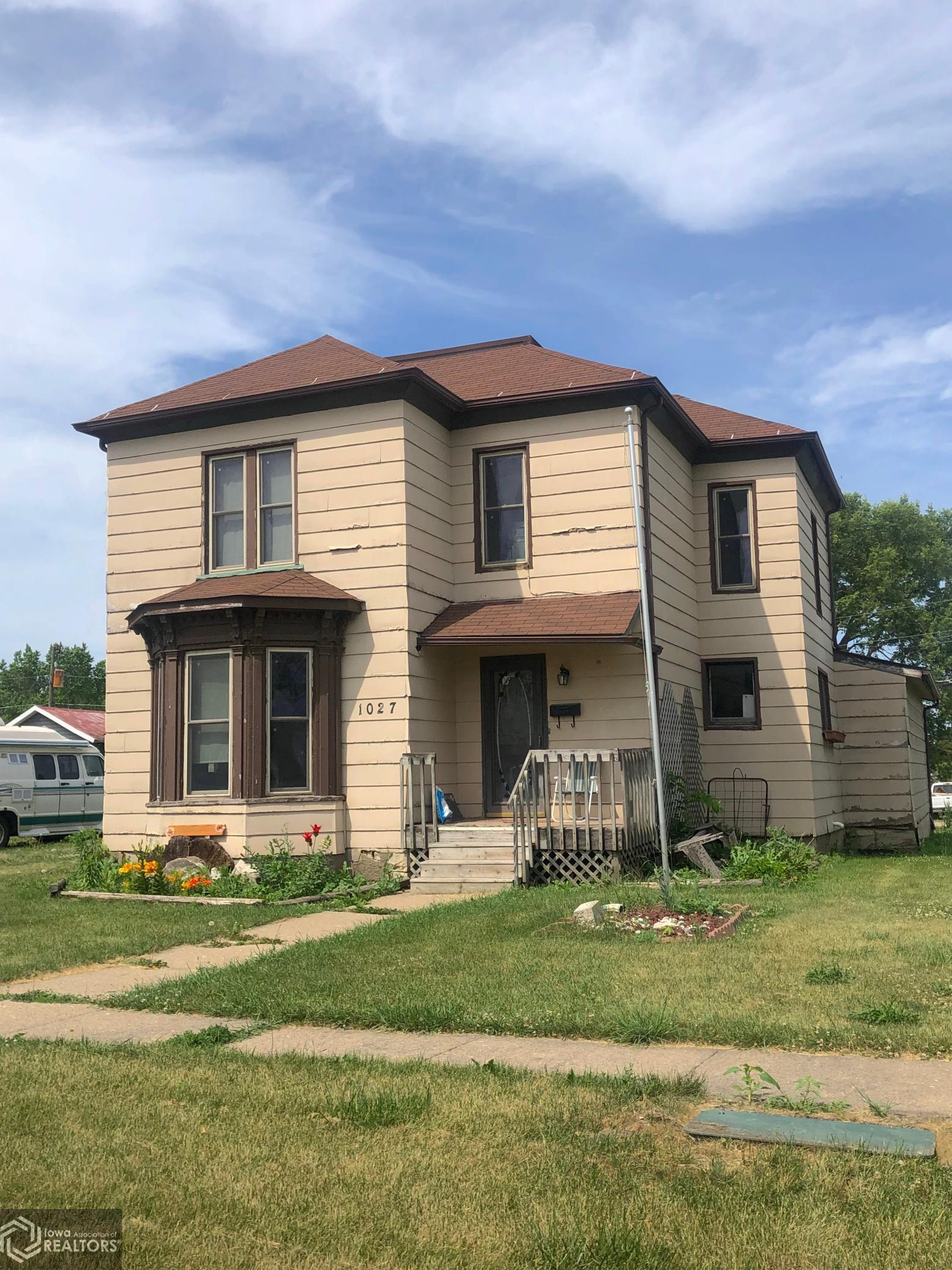 1027 Pearl, Grinnell, Iowa 50112-1969, 4 Bedrooms Bedrooms, ,1 BathroomBathrooms,Single Family,For Sale,Pearl,5702253