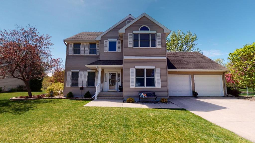 35 Marble, Mason City, Iowa 50401-6969, 4 Bedrooms Bedrooms, ,3 BathroomsBathrooms,Single Family,For Sale,Marble,5566258