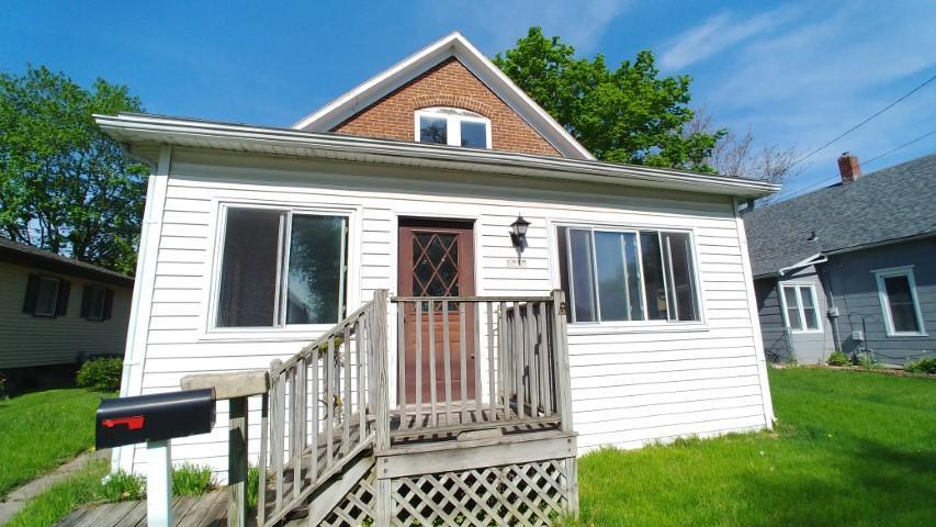1215 Dehner, Burlington, Iowa 52601, 2 Bedrooms Bedrooms, ,1 BathroomBathrooms,Single Family,For Sale,Dehner,5568307