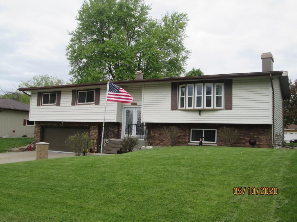 2614 Evergreen, Burlington, Iowa 52601-2421, 3 Bedrooms Bedrooms, ,2 BathroomsBathrooms,Single Family,For Sale,Evergreen,5564313