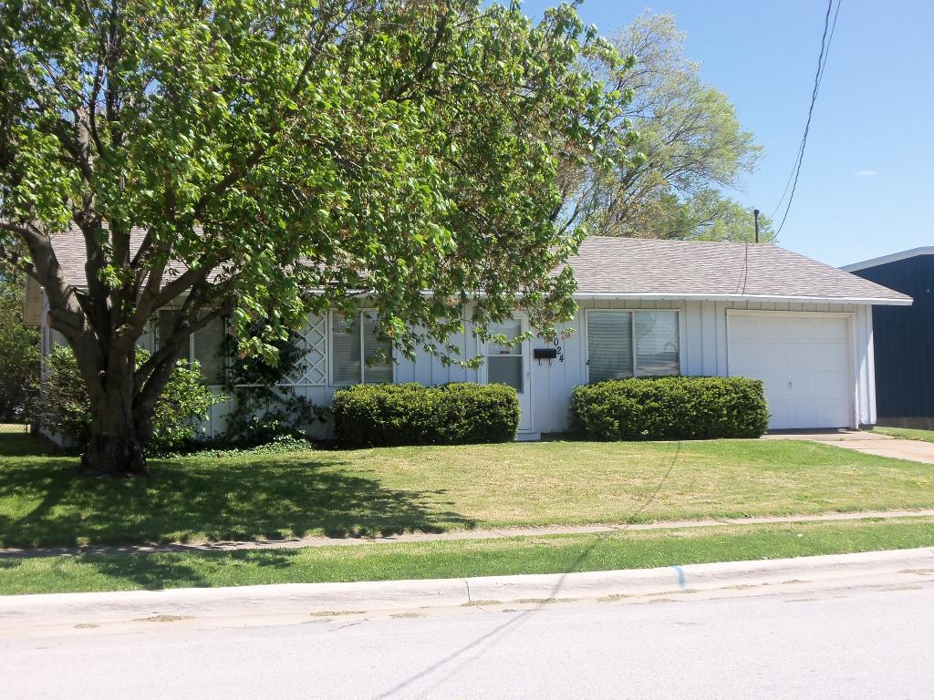 3024 Flint Hills, Burlington, Iowa 52601-9188, 3 Bedrooms Bedrooms, ,1 BathroomBathrooms,Single Family,For Sale,Flint Hills,5564331