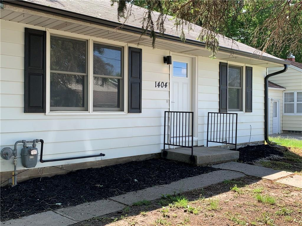 1404 2nd, Newton, Iowa 50208-0002, 2 Bedrooms Bedrooms, ,1 BathroomBathrooms,Single Family,For Sale,2nd,5571339
