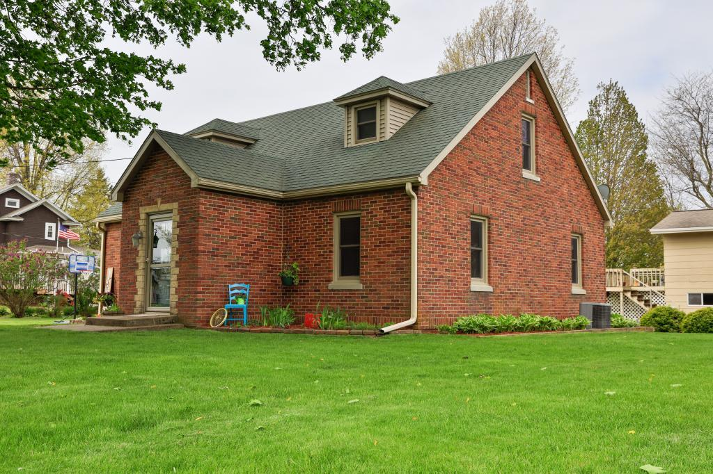 106 9th, Montezuma, Iowa 50171-5600, 3 Bedrooms Bedrooms, ,1 BathroomBathrooms,Single Family,For Sale,9th,5566351