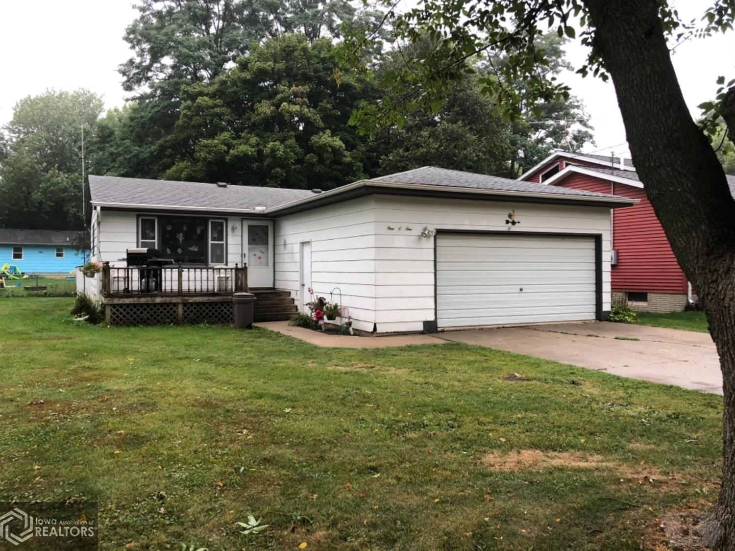 101 20th, Clear Lake, Iowa 50428, 2 Bedrooms Bedrooms, ,1 BathroomBathrooms,Single Family,For Sale,20th,5569355
