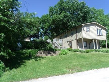 1282 Lakeshore, Brooklyn, Iowa 52211-8549, 3 Bedrooms Bedrooms, ,2 BathroomsBathrooms,Single Family,For Sale,Lakeshore,5559357