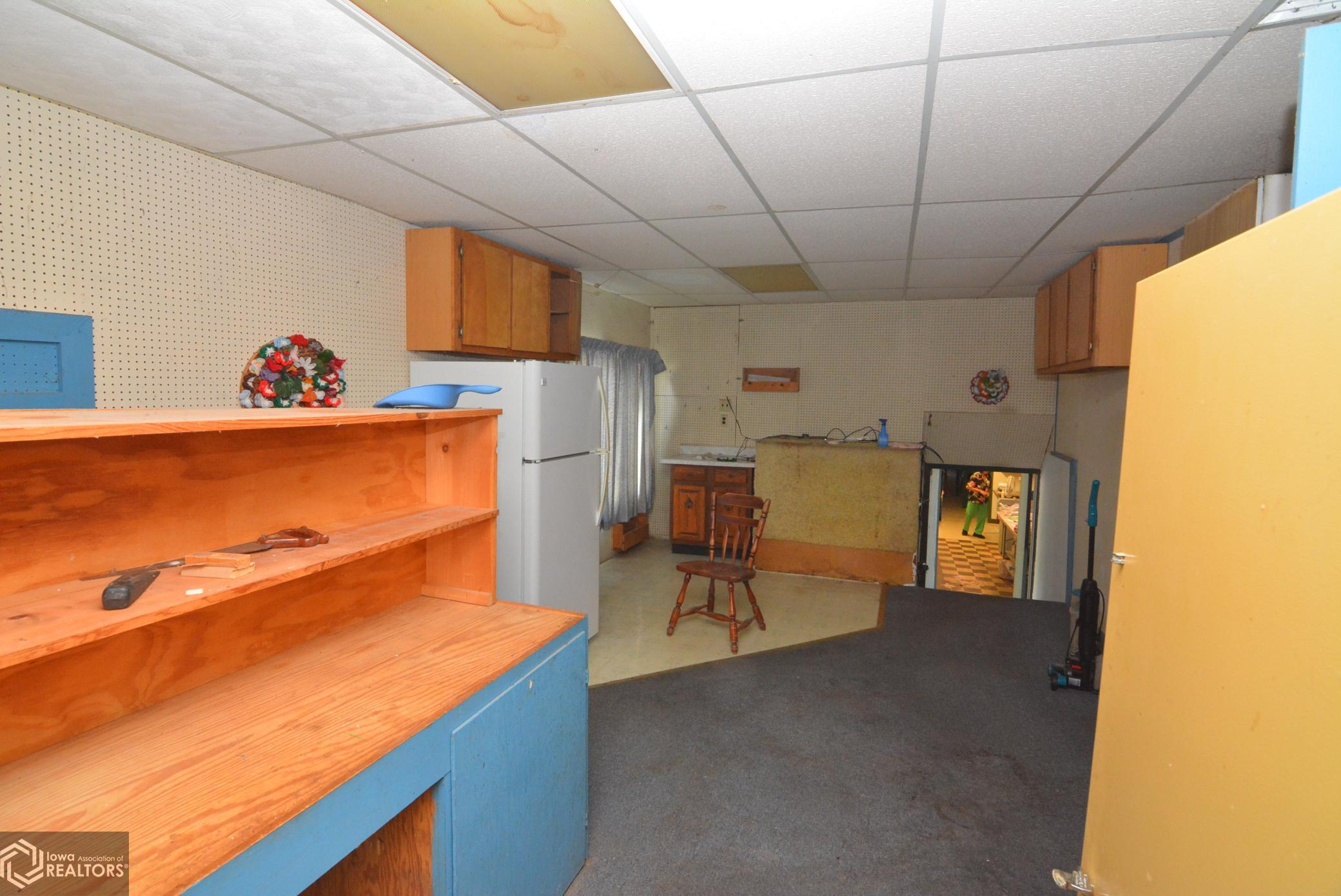 801 State, Grinnell, Iowa 50112-2136, ,Commercial (5+ Units),For Sale,State,6094384