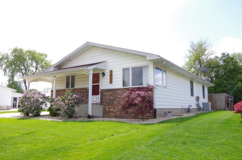 1509 Airlane, Burlington, Iowa 52601-3308, 3 Bedrooms Bedrooms, ,1 BathroomBathrooms,Single Family,For Sale,Airlane,5571391