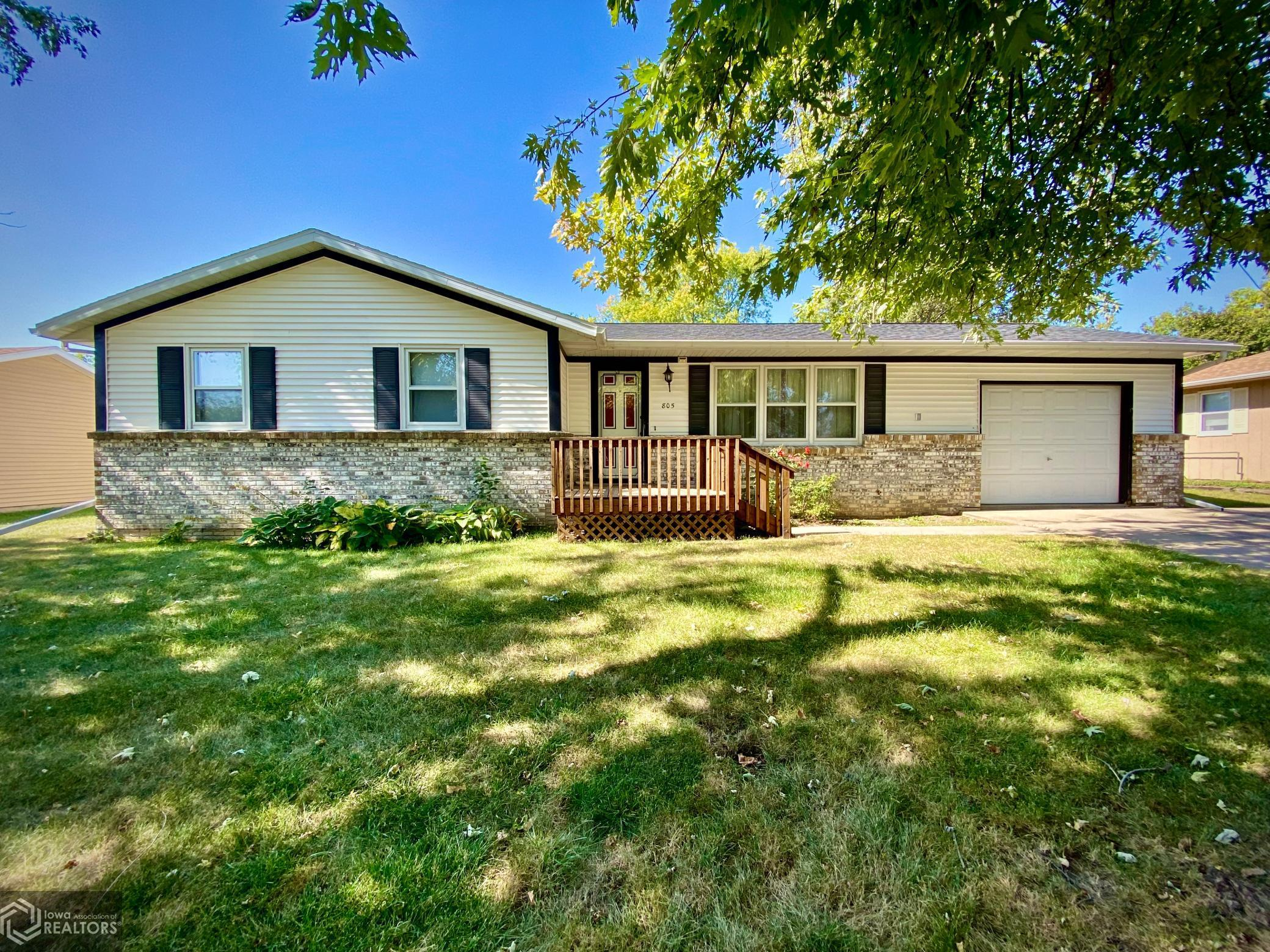 805 Penrose, Grinnell, Iowa 50112-2106, 3 Bedrooms Bedrooms, ,1 BathroomBathrooms,Single Family,For Sale,Penrose,6106419