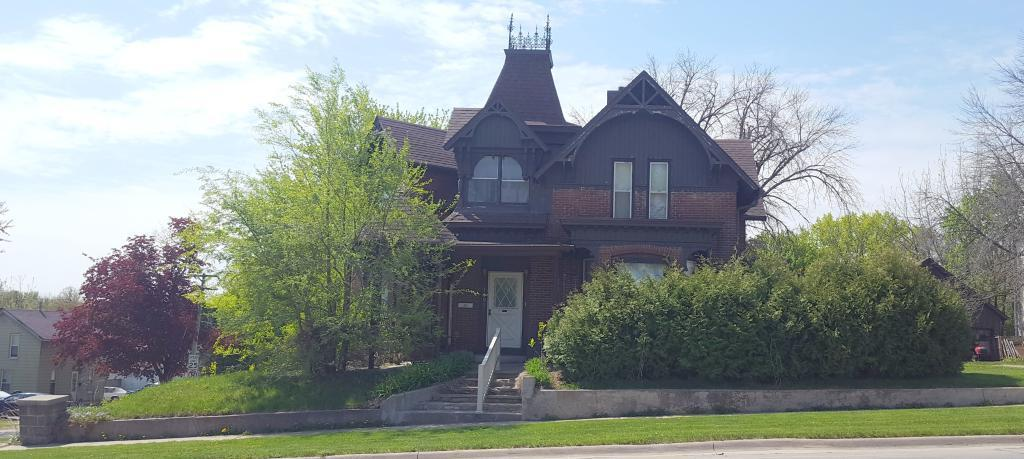 1003 Edgington, Eldora, Iowa 50627-1734, 4 Bedrooms Bedrooms, ,1 BathroomBathrooms,Single Family,For Sale,Edgington,5565426