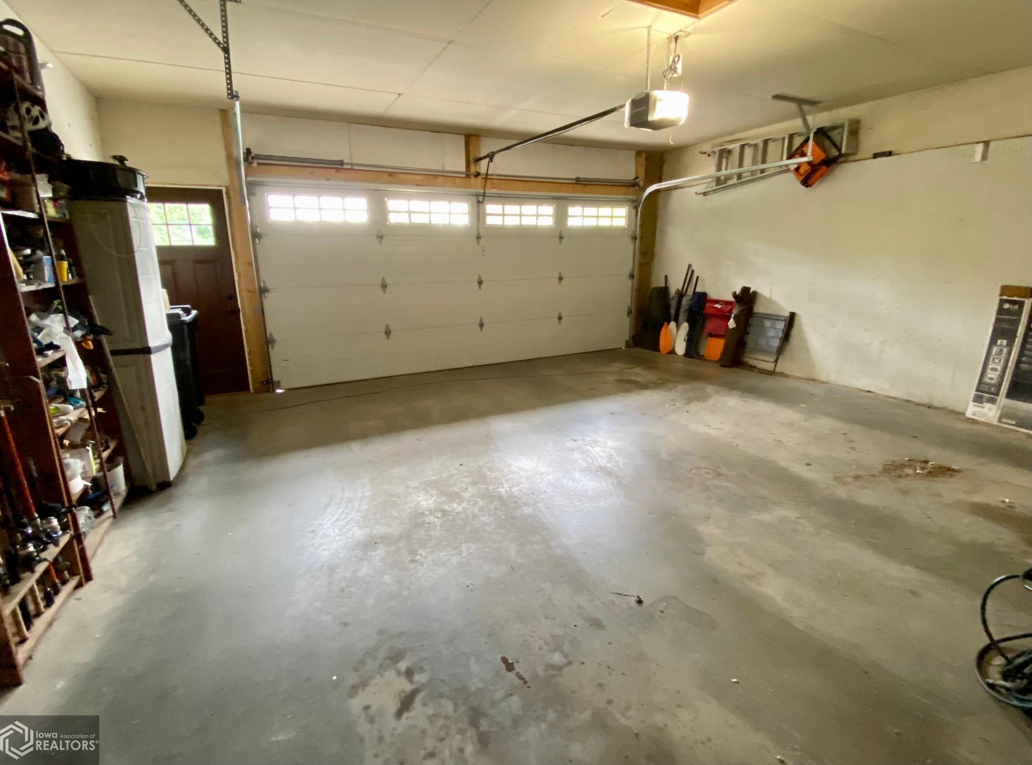 25 Eagle, Grinnell, Iowa 50112-3010, 4 Bedrooms Bedrooms, ,1 BathroomBathrooms,Single Family,For Sale,Eagle,6028428