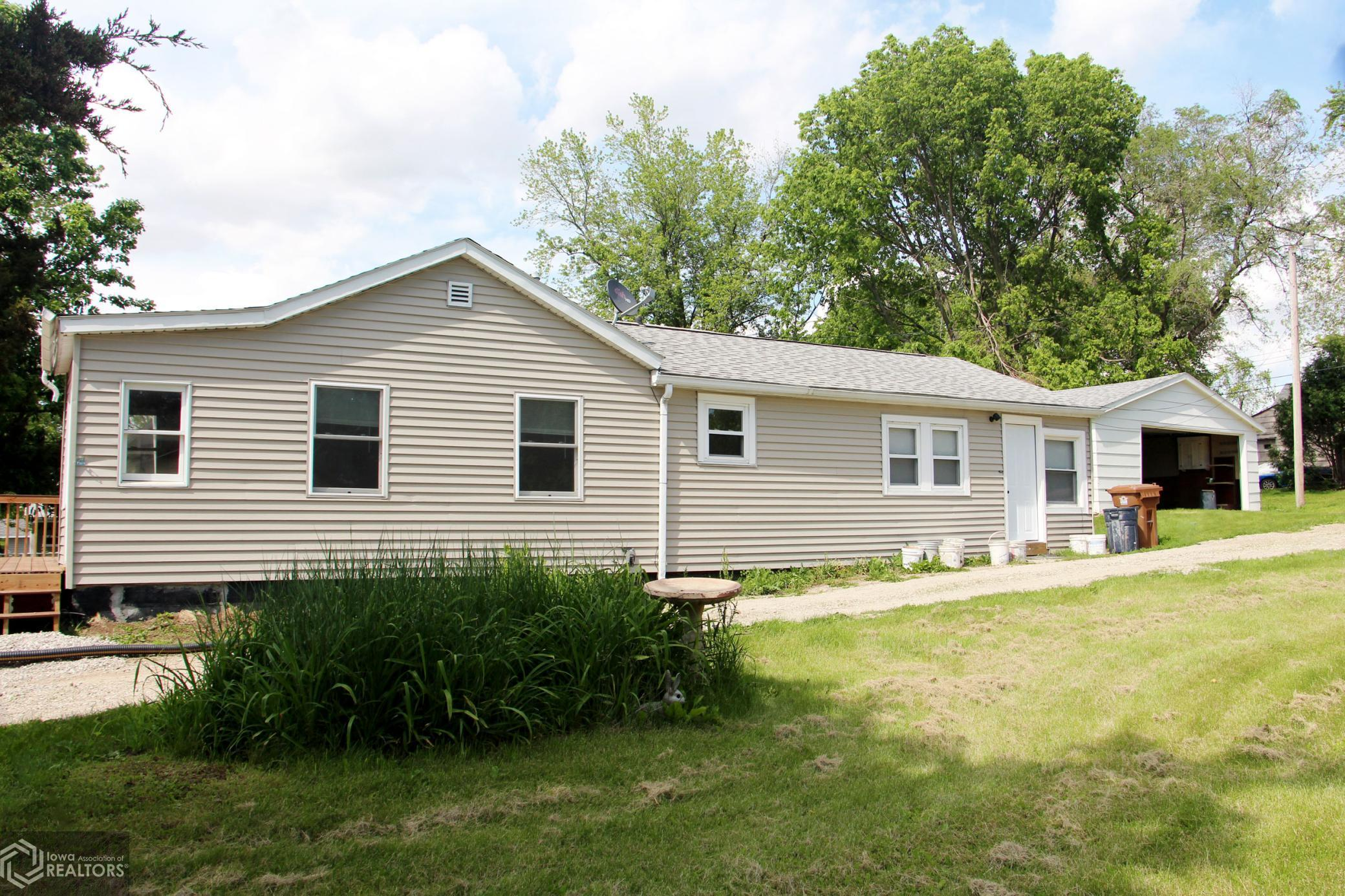 420 Spring, Grinnell, Iowa 50112-2172, 2 Bedrooms Bedrooms, ,1 BathroomBathrooms,Single Family,For Sale,Spring,5768442