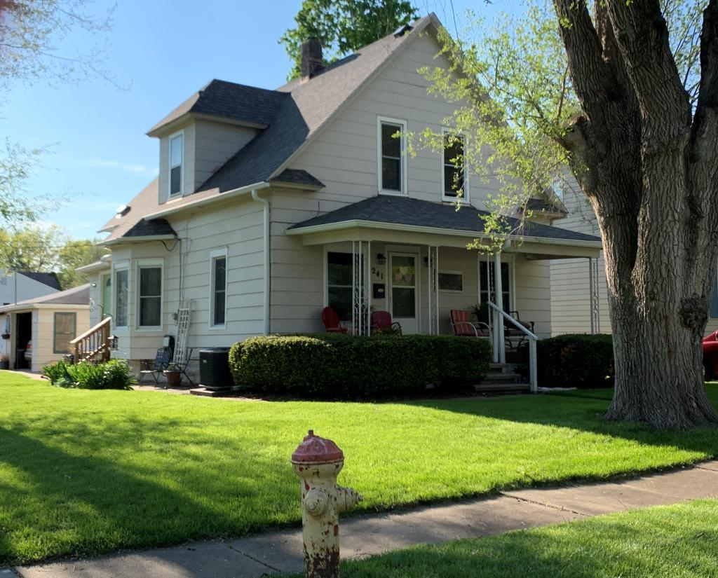 241 Adella, Ottumwa, Iowa 52501-4707, 3 Bedrooms Bedrooms, ,2 BathroomsBathrooms,Single Family,For Sale,Adella,5564444