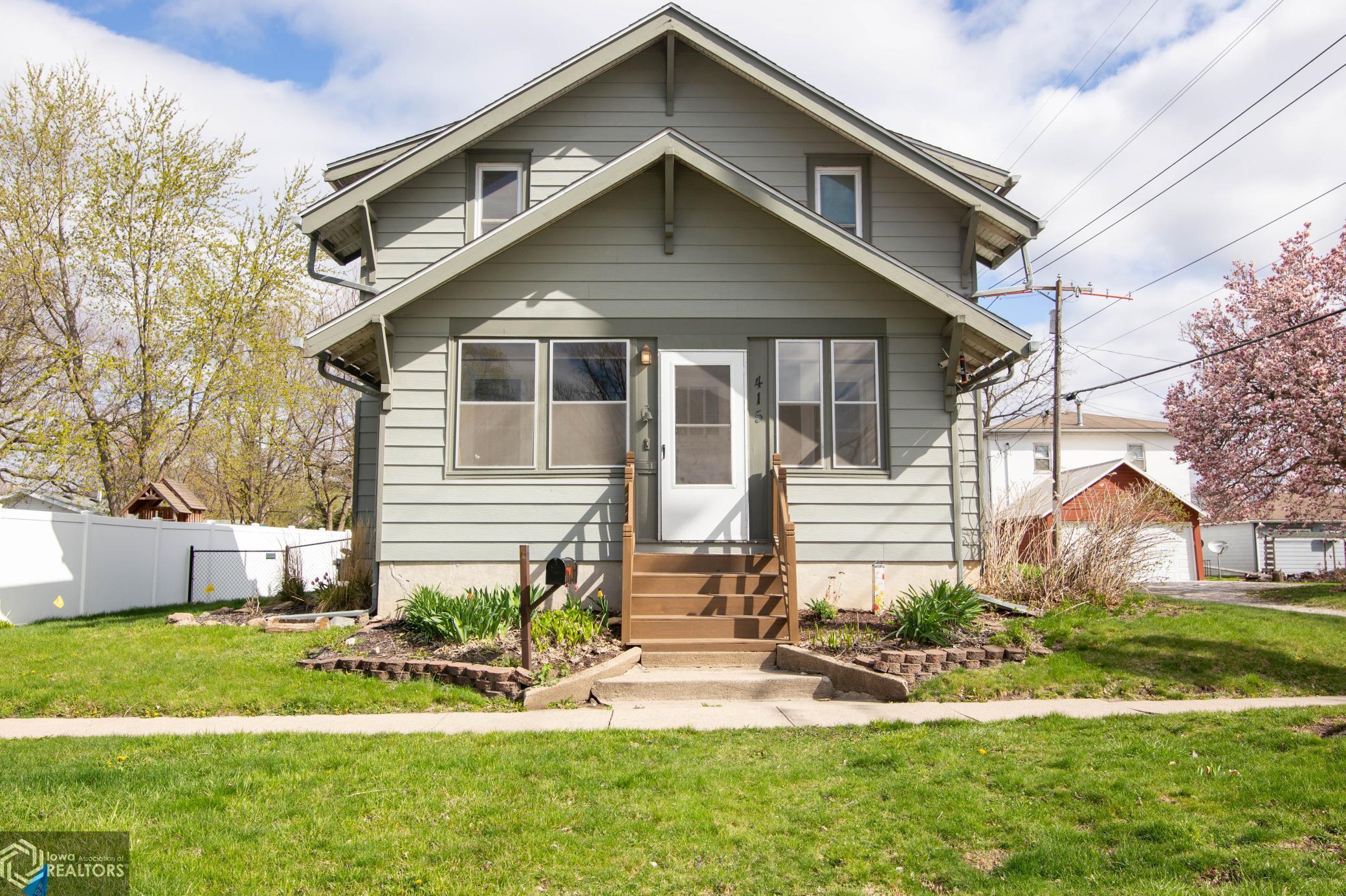 415 J, Nevada, Iowa 50201-1839, 3 Bedrooms Bedrooms, ,1 BathroomBathrooms,Single Family,For Sale,J,5740456