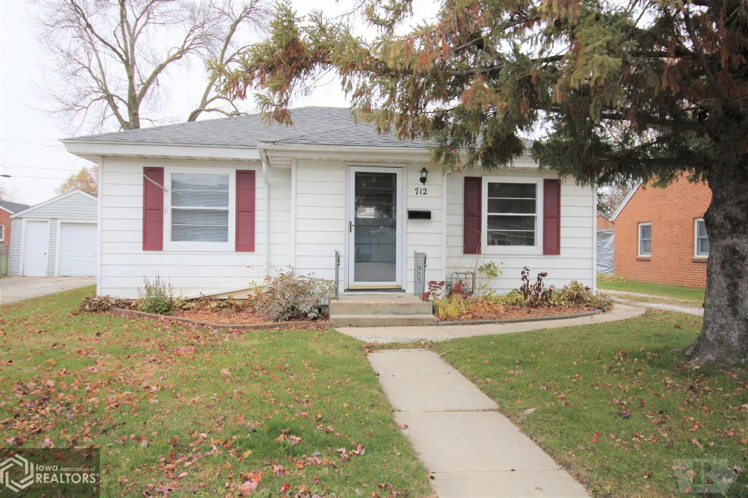 712 16th, Mason City, Iowa 50401, 2 Bedrooms Bedrooms, ,1 BathroomBathrooms,Single Family,For Sale,16th,5566464