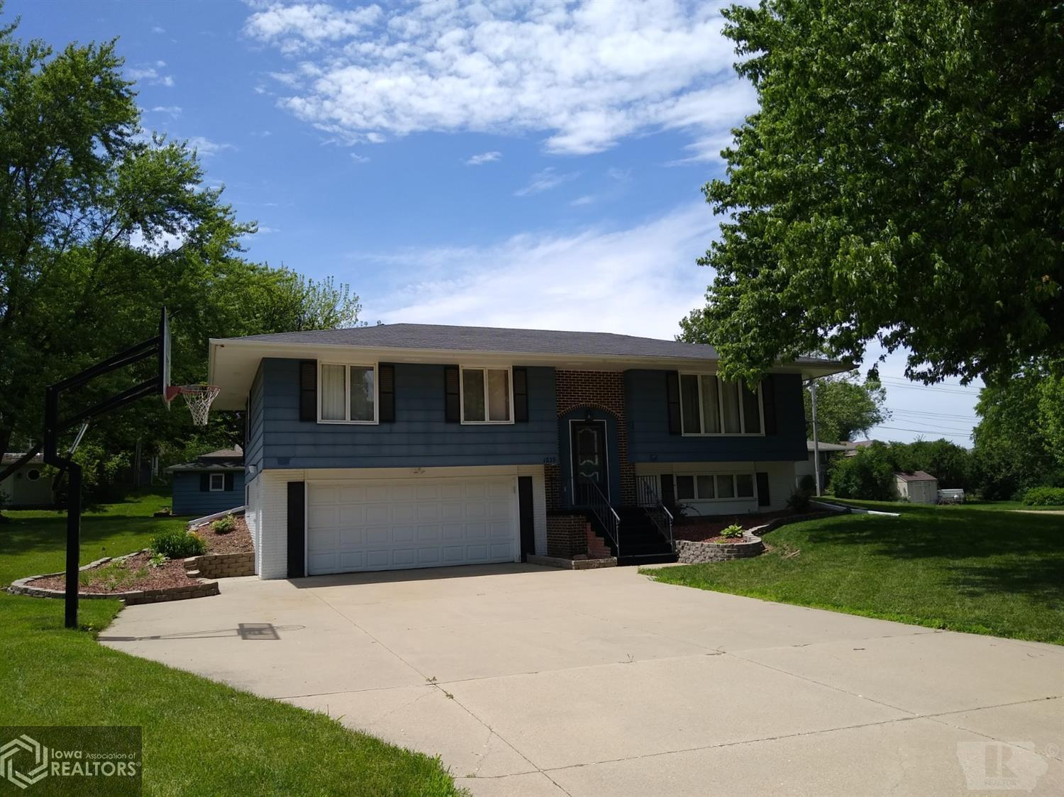 1839 Spencer Street, Grinnell, Iowa 50112, 3 Bedrooms Bedrooms, ,1 BathroomBathrooms,Single Family,For Sale,Spencer Street,5461468