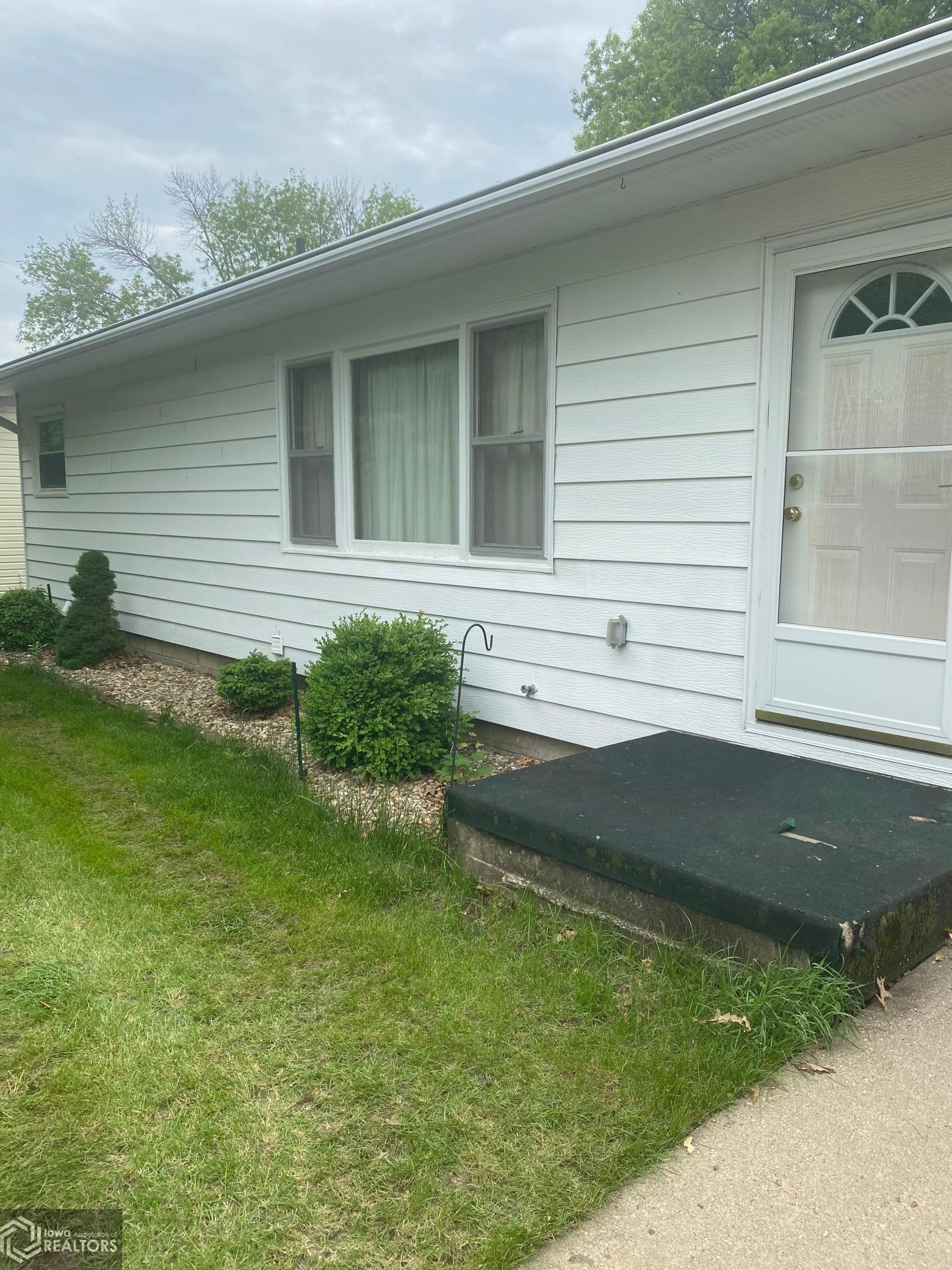422 Sunset, Brooklyn, Iowa 52211-0354, 2 Bedrooms Bedrooms, ,1 BathroomBathrooms,Single Family,For Sale,Sunset,5758497