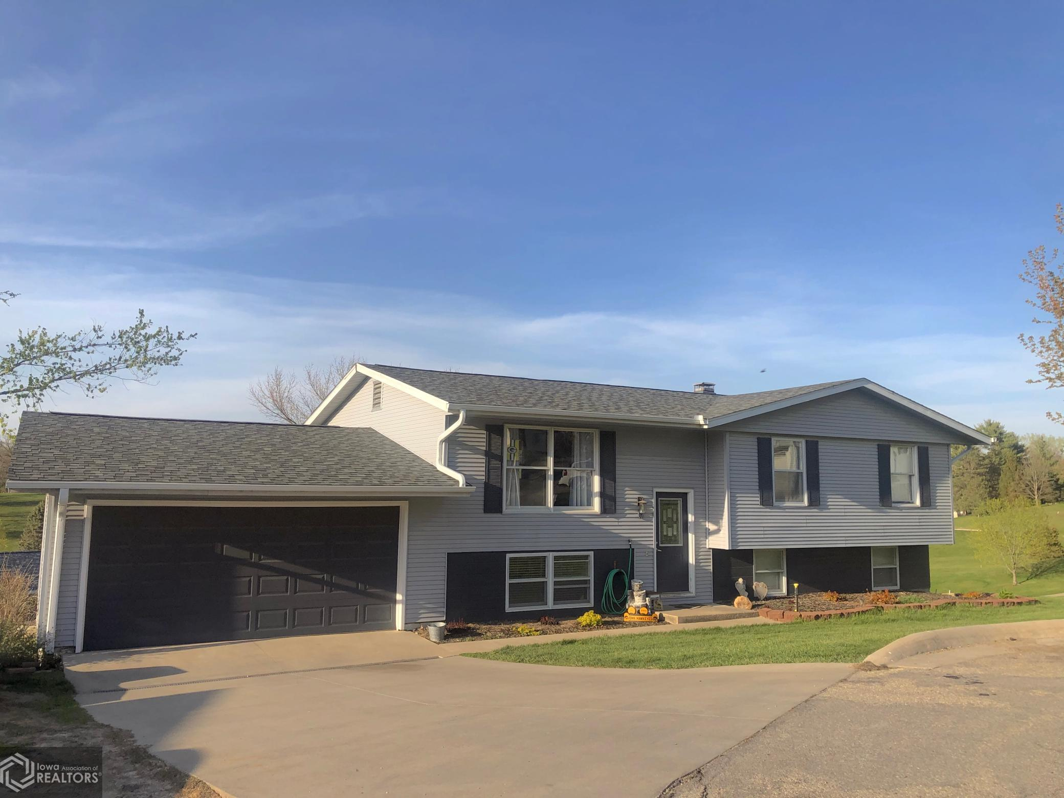 6 Valley View, Grinnell, Iowa 50112-3007, 4 Bedrooms Bedrooms, ,1 BathroomBathrooms,Single Family,For Sale,Valley View,5746504